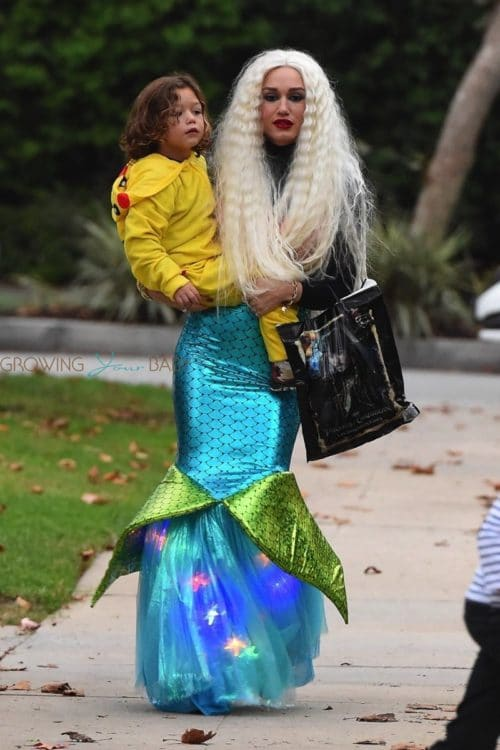 Gwen-Stefani-dresses-as-a-mermaid-for-Halloween