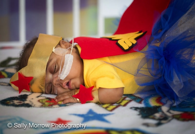 Preemie-wonderwoman-NICU-Saint-Luke's-Hospital-Kansas-City-March-of-Dime