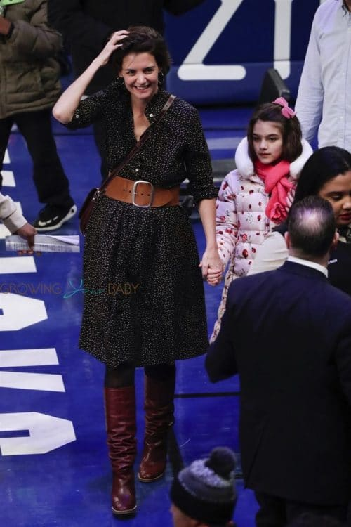 Katie Holmes and her daughter Suri enjoy the Knicks vs Oklahoma City Thunder game