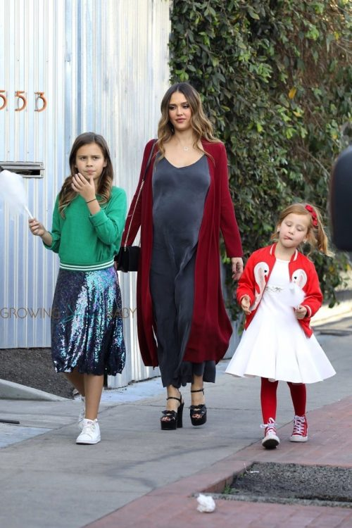 Pregnant Jessica Alba arrives at Lyft event with kids Haven and Honor