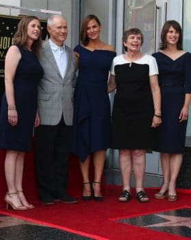 Jennifer Garner with her parents and sisters at Hollywood Walk of Fame Ceremony
