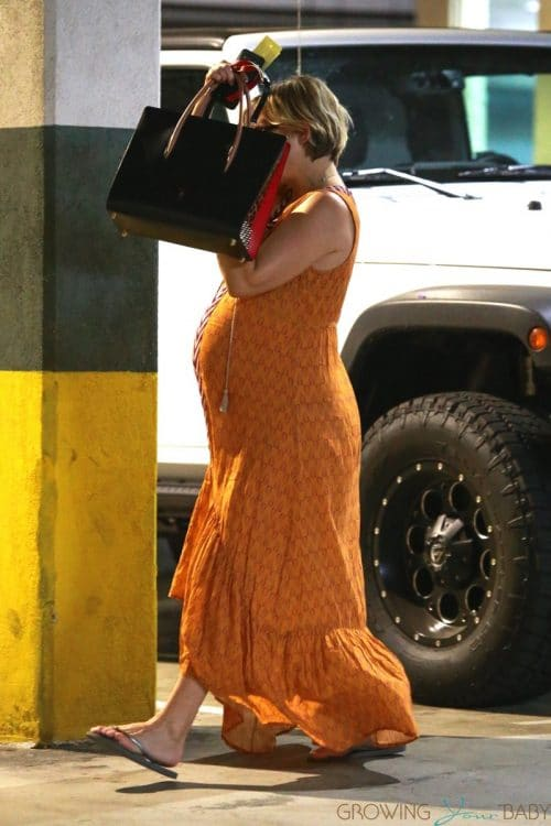 Pregnant Kate Hudson lunches in Santa Monica