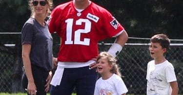 Tom Brady with wife Gisele, daughter Vivian and son Ben at practice august 3 2018 f