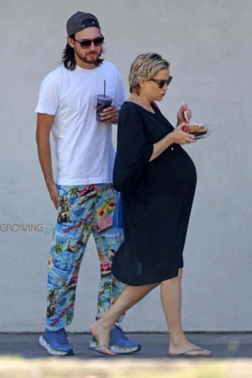 Very pregnant Kate Hudson, Danny Fujikawa step out in LA