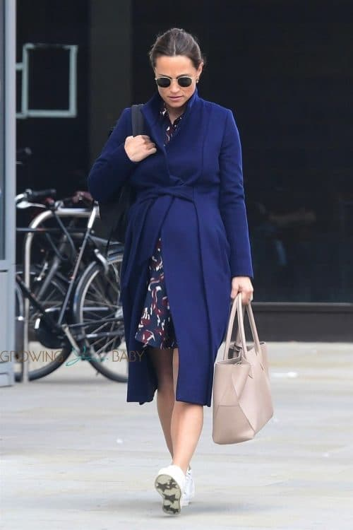Pippa Middleton shows off her baby bump leaving a private members gym in London