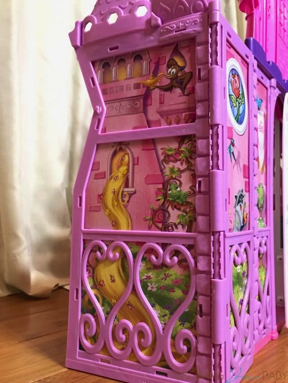 Disney Princess' Pop-Up Palace - side
