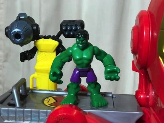 REVIEW - Marvel Superheroes Ironman Headquarters - hulk