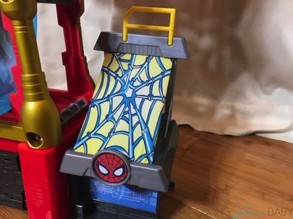 REVIEW - Marvel Superheroes Ironman Headquarters - spider launcher