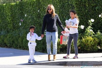 halle berry steps out in La with her kids Nahla and Maceo December 2018