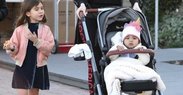 Khloe Kardashian starts off her Saturday with a trip to the Farmers Market with baby True Thompson f