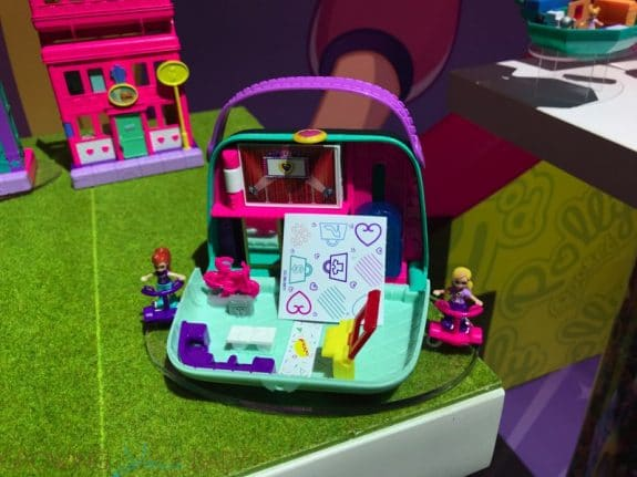 2019 Polly Pocket Pollyville