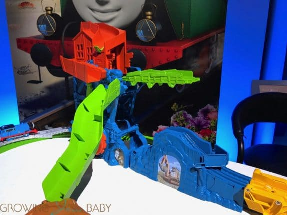 Fisher-Price Thomas & Friends TrackMaster Cave Collapse NYTF19