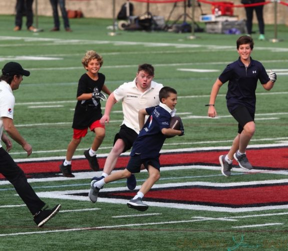 Tom Brady Plays Football With Sons Ben & John At Best