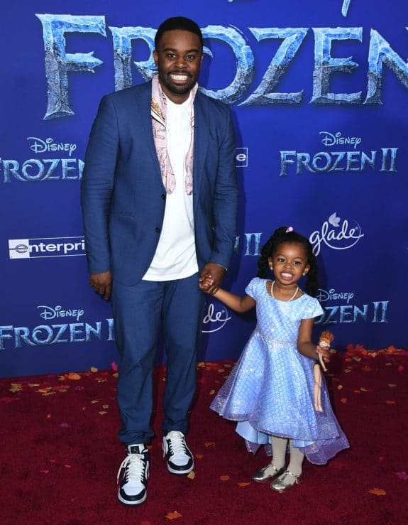 Tobie Windham with daughter at Frozen 2 premiere in LA