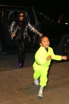 Kim Kardashian arrives at Ritz hotel with son Saint december 21st 2019