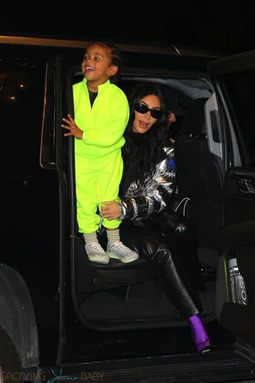 Kim Kardashian arrives at Ritz hotel with son Saint december 21st 2019