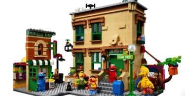 123 Sesame Street LEGO Set - front