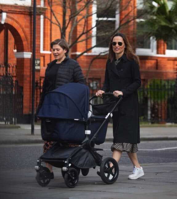 Pippa Middleton steps out with her daughter