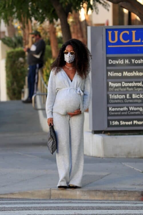 Very Pregnant Kelly Rowland Visits Her Doctor In LA