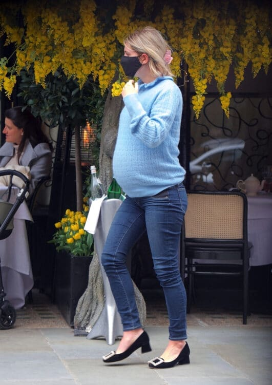 Heavily pregnant Pixie Geldof shows off her huge baby bump
