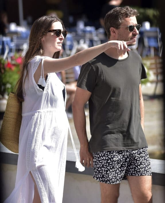 Pregnant Bee Shaffer out in Italy with husband Francesco Carrozzini