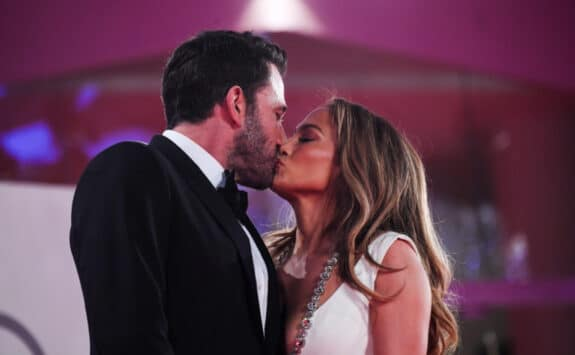 Ben Affleck and Jennifer Lopez kiss on the red carpet for the movie The Last Duel Venice Film Festival 2021