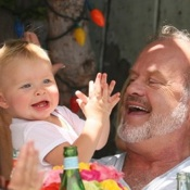 Kelsey Grammer Lunches With His Family At The Ivy