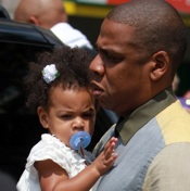 Jay-Z and Beyonce Lunch With Blue Ivy in Toronto