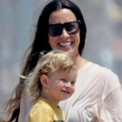 Alanis Morissette & Her Family Hit The Beach