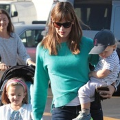 Jennifer Garner Hits The Market With Her Crew