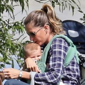 Tom & Gisele Stroll in The Park With Their Kids