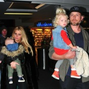 Jessica Simpson Arrives in Boston With Her Family