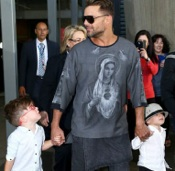 Ricky Martin Lands in Sydney with his son Matteo and Valentino