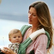 Gisele Bundchen Plays At The Park With Her Little Ones!