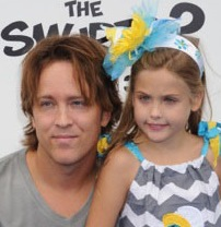 Larry and Dannielynn Birkhead Attend The Smurfs 2 Premiere!