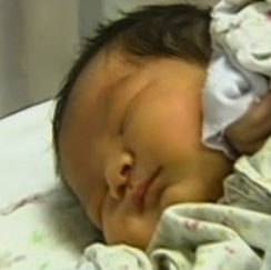 Woman from Shanghai Gives Birth to Whopping 13 Pound 10 Ounce Baby!