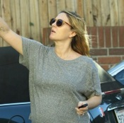 Drew Barrymore Preps For Thanksgiving in LA