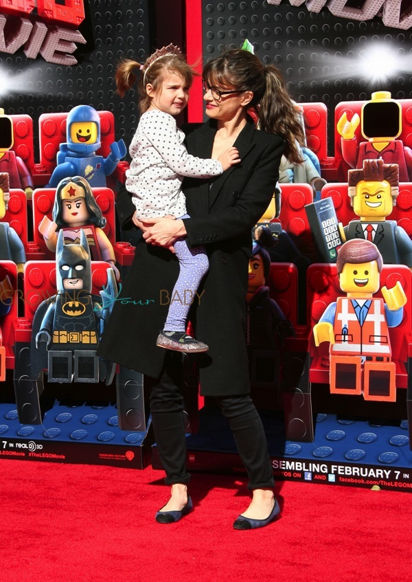 Amanda Peet with daughter Molly at the premiere of the ...