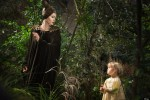 Angelina Jolie in maleficent with daughter Vivienne