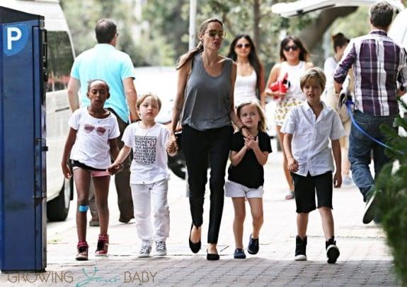Angelina Jolie shops in Australia with Shiloh, Zahara, Vivienne and Knox