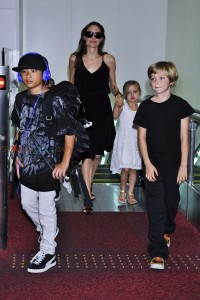 Angelina Jolie with kids Shiloh, Vivienne and Pax in Tokyo