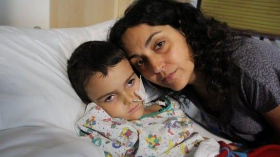 Ashya king with his mom