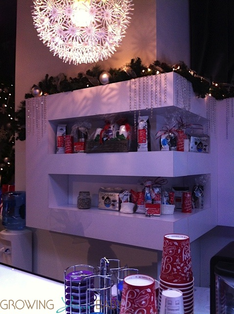 Avion Holiday Boutique Yorkdale Cafe