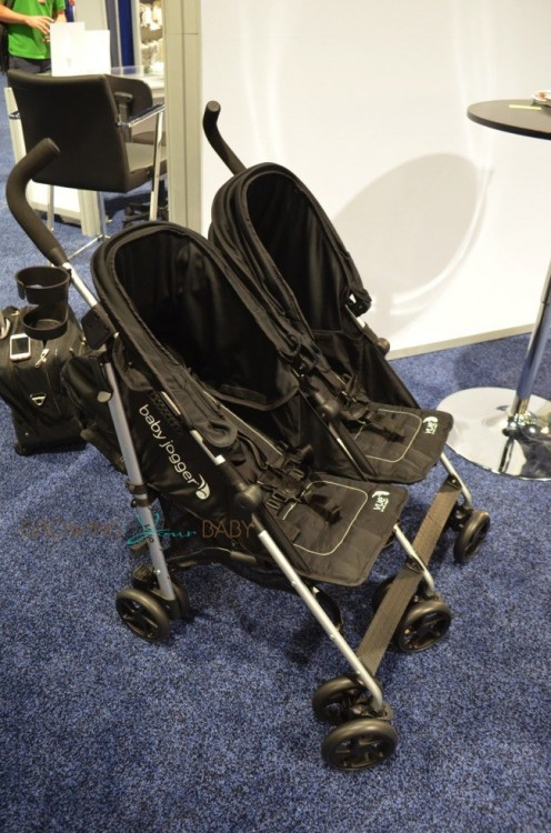 Baby Jogger Vue Double Stroller - forward facing