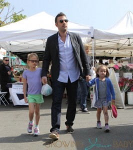 Spending a Sunday together, Ben Affleck and Jennifer Garner take daughters Violet and Seraphina to the Farmers' Market in Brentwood