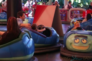 Ben Affleck with daughters Violet and Seraphina at Disneyland