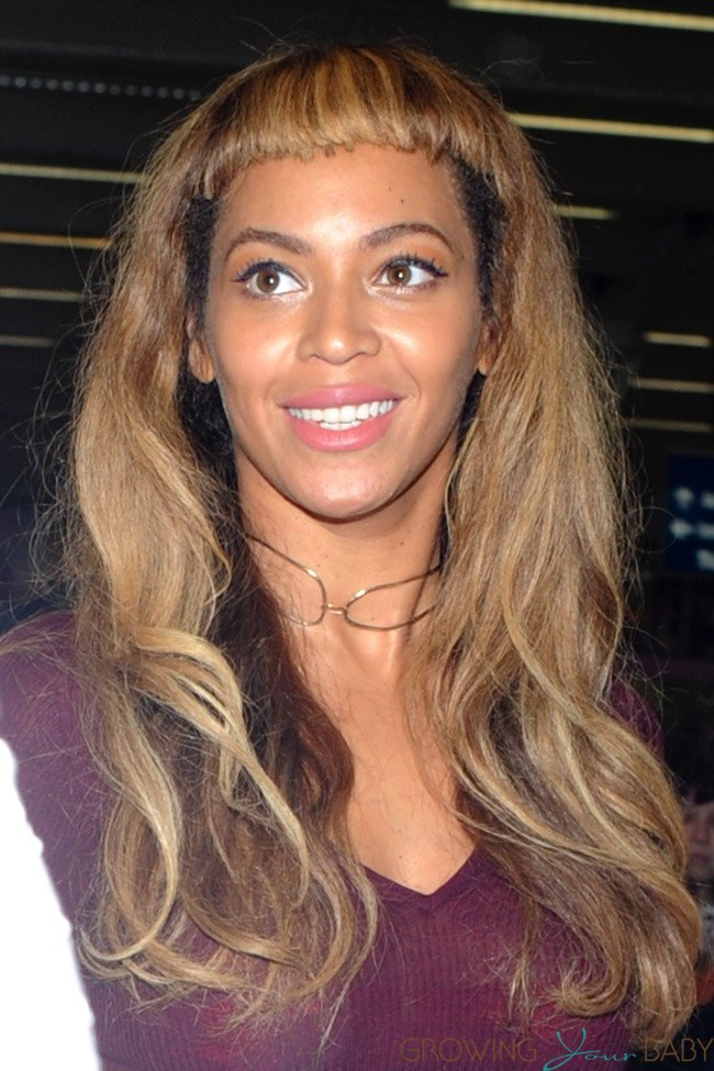 Beyonce Arrives In London With Her Daughter Blue And