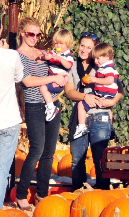 Britney Spears at Mr.Bones with sons Sean P and Jayden James