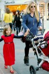 Busy Philipps with her daughter Birdie Silverstein shopping at the grove