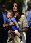 Catherine Duchess of Cambridge with  son Prince George in the Bilby Enclosure at Taronga Zoo